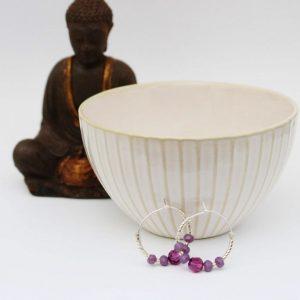 Chakra øreringe med lilla swarovski