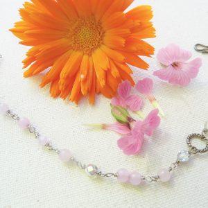 Sølv-armbånd-med-lyserød-jade