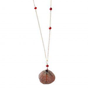 Halskæde med rød krystal og vedhæng