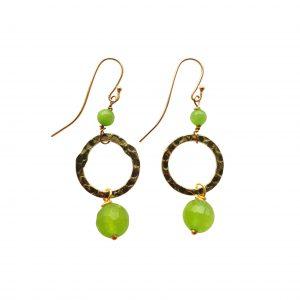 Øreringe med grøn jade og gylden ring