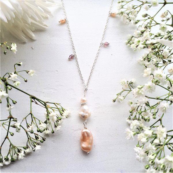 Halskæde hvide keshi perler